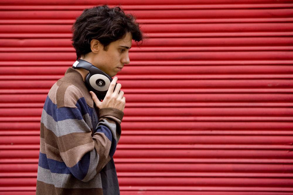 Jonas Trueba Headphones Web
